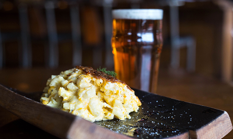 Mac and cheese with beer