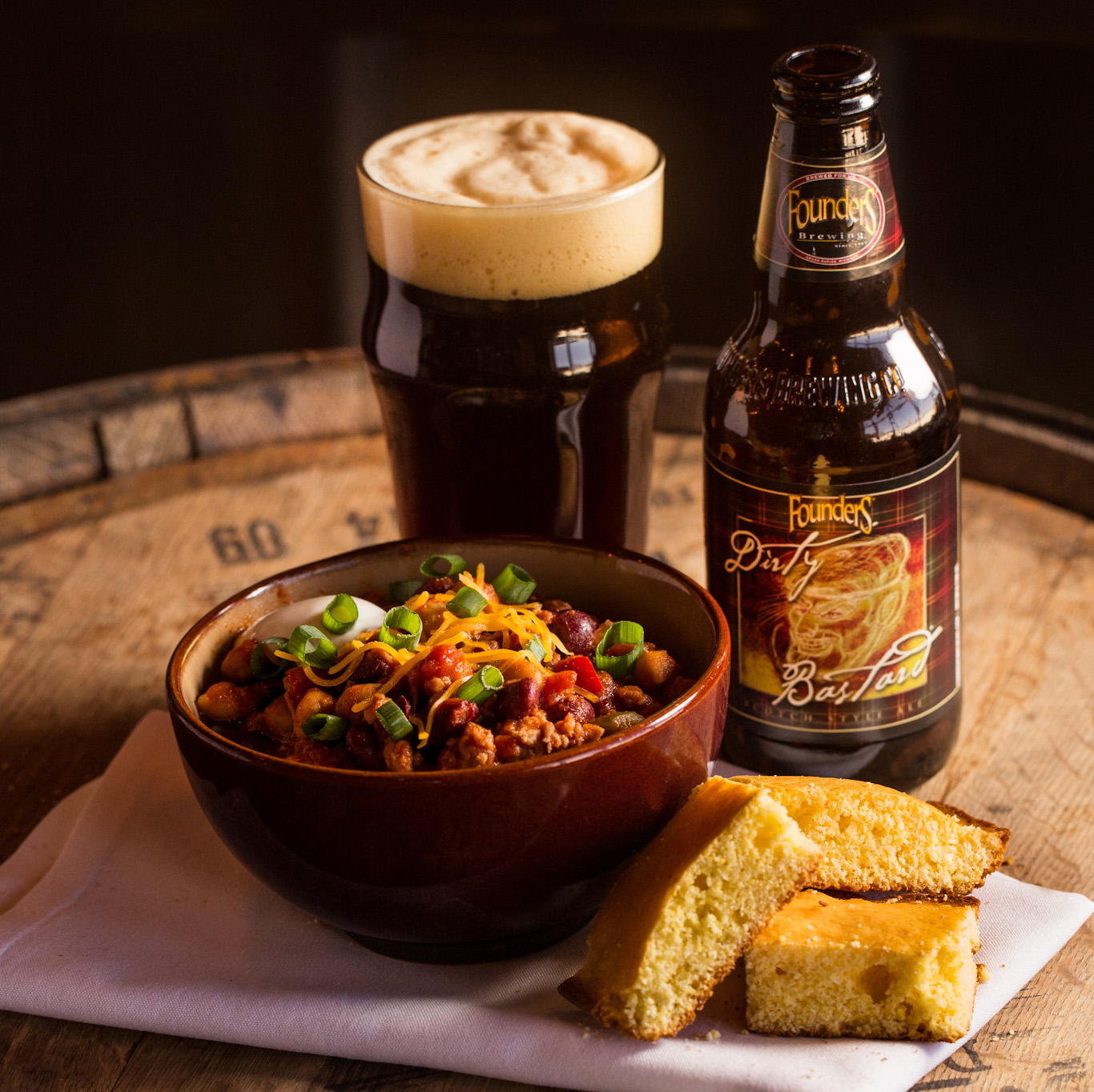 Founders Dirty bastard with chili and cornbread